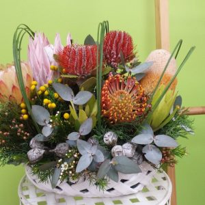 Australia arrangement. Away With Flowers Logo. Mundingburra Florist.