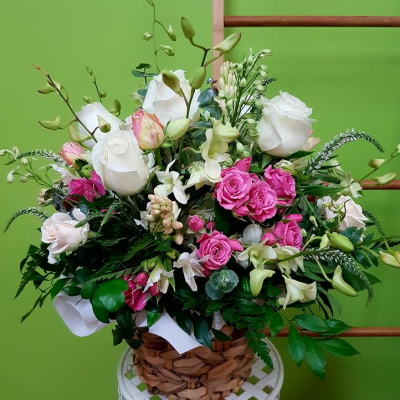 Cottage Basket. Away With Flowers. Mundingburra Florist.