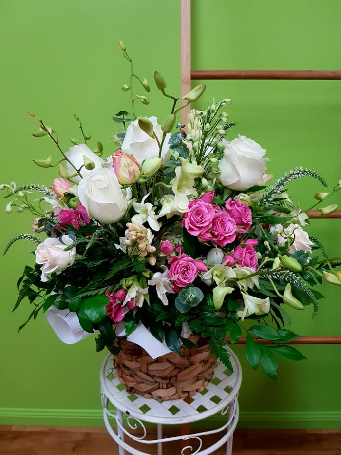 Cottage Basket. Away With Flowers. Mundingburra Florist.