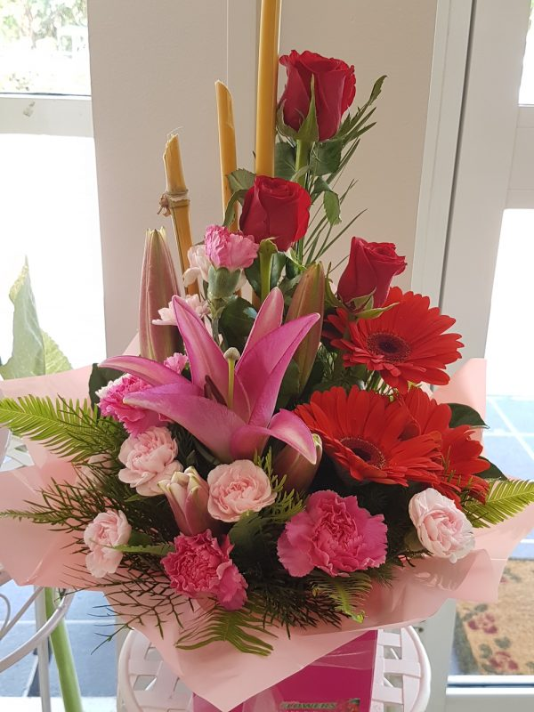 Away With Flowers. Mundingburra Florist.