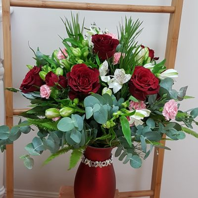 Love Roses. Away With Flowers. Mundingburra Florist.