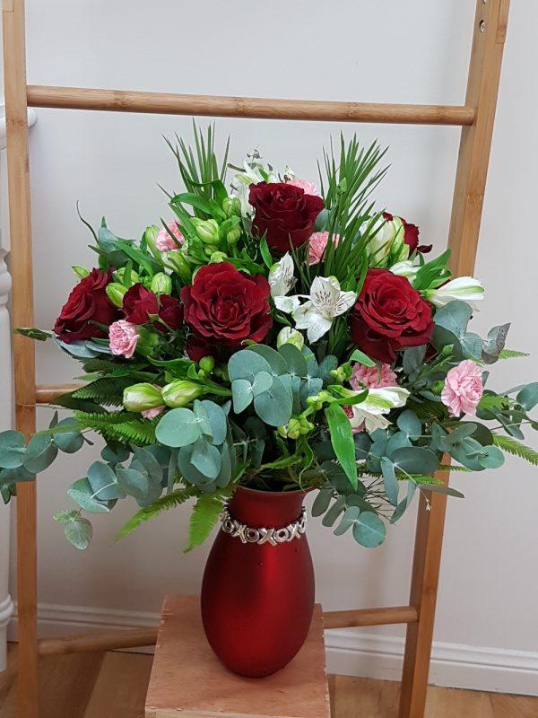 Love Roses. Away With Flowers. Mundingburra Florist.